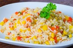 Ryżowa sałatka z kukurudzą i warzywami Fotografia Royalty Free