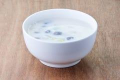 Ryżowej mąki piłka w słodkim kokosowym mleku, Bua Loi Tajlandzki deser Zdjęcie Royalty Free