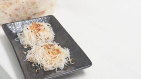 Ryżowi kluski dekatyzujący mieszają olej od czosnku kurczaka smażącego kopię Zdjęcia Stock