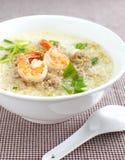 Ryżowy zupny puchar z garnelą Zdjęcia Royalty Free