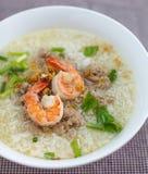 Ryżowy zupny puchar z garnelą Fotografia Stock
