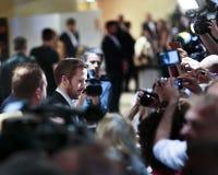 Ryan Gosling robi selfies przy Ładny facetów ` Zdjęcia Royalty Free