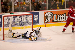 Ryan Miller Makes A Great Save Royalty Free Stock Photography