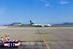 Ryanair airship preparing take off. On Athens airport, Greece Royalty Free Stock Photos