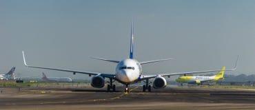 Ryanair auf der Rollbahn Lizenzfreie Stockbilder