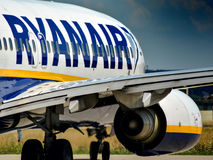 Ryanair B738 en el aeropuerto de Memmingen Foto de archivo libre de regalías