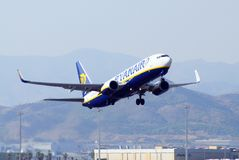 Ryanair Boeing 737 à l'aéroport de Malaga. Image stock