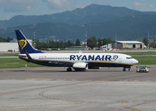 Ryanair Boeing 737-8AS garé à Bergame Orio Al Serio Image stock