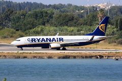 Ryanair Boeing at Corfu Royalty Free Stock Photos