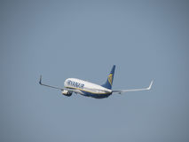Ryanair Boeing 737-800 décollant Image stock