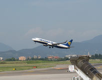 Ryanair Boeing 737-800 décollant Photographie stock