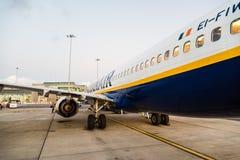 Ryanair Boeing 737-800 flygplan i Dublin Airport Royaltyfria Foton
