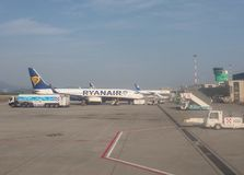 Ryanair Boeing 737-800 garé à Bergame Orio Al Serio Image libre de droits