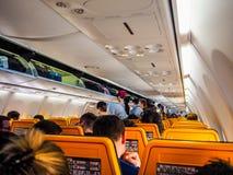 Ryanair Boeing 737-800 inre i Hamburg hdr royaltyfria foton