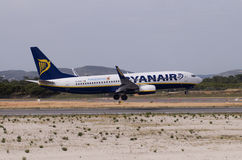 Ryanair boeing Landing Royalty Free Stock Photography