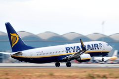 Ryanair elevation maniobre of aircraft plane in airport Royalty Free Stock Photos