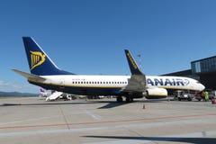 Ryanair flygplan Boeing 737-800 Royaltyfria Foton