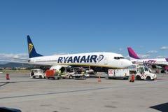 Ryanair flygplan Boeing 737-800 Royaltyfria Bilder