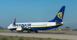 Ryanair na pasie startowym Obrazy Royalty Free