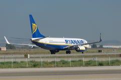 Ryanair på landningsbanan Royaltyfri Fotografi