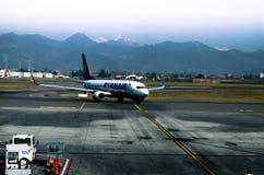 Ryanair planieren Lizenzfreie Stockfotografie