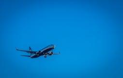 Ryanair-vliegtuig het opstijgen Stock Afbeelding