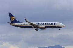 Ryanair voyagent en jet l'approche à débarquer Photos libres de droits