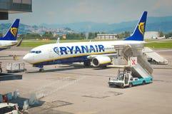 Ryaniar lot przy lotniskiem Obraz Stock