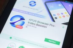 Ryazan, Ρωσία - 19 Απριλίου 2018 - μηχανή αναζήτησης APUS υπέρ - τηλεοπτικό συμπληρωματικό κινητό app στην επίδειξη του PC ταμπλε Στοκ Εικόνες