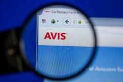 Ryazan, Ρωσία - 11 Ιουλίου 2018: Avis ιστοχώρος COM στην επίδειξη του PC στοκ φωτογραφία