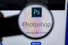 Ryazan, Rússia - 11 de julho de 2018: Adobe Photoshop, logotipo do software no Web site oficial de Adobe fotografia de stock royalty free