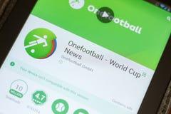 Ryazan, Rússia - 3 de julho de 2018: Onefootball Live Soccer Scores app móvel na exposição do PC da tabuleta foto de stock