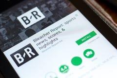 Ryazan, Rússia - 2 de maio de 2018: Relatório app móvel do Bleacher na exposição do PC da tabuleta foto de stock