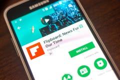 Ryazan Rosja, Maj, - 04, 2018: Flipboard wiadomości wisząca ozdoba app na pokazie telefon komórkowy Zdjęcia Royalty Free