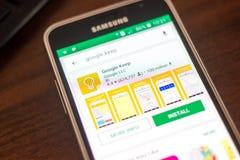 Ryazan Rosja, Maj, - 04, 2018: Google utrzymania ikona w liście mobilni apps na pokazie telefon komórkowy Zdjęcia Royalty Free