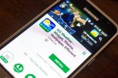 Ryazan Rosja, Maj, - 04, 2018: IŚĆ Pogodowa wisząca ozdoba app na pokazie telefon komórkowy Zdjęcie Royalty Free