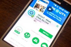 Ryazan Rosja, Maj, - 04, 2018: SKOUT wisząca ozdoba app na pokazie telefon komórkowy Obraz Stock