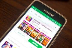 Ryazan Rosja, Maj, - 04, 2018: Strzela szczeliny ikonę w liście mobilni apps na pokazie telefon komórkowy Obraz Stock