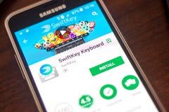 Ryazan Rosja, Maj, - 04, 2018: SwiftKey Klawiaturowa wisząca ozdoba app na pokazie telefon komórkowy Obrazy Royalty Free