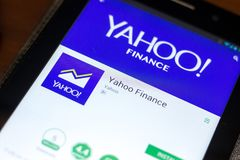 Ryazan Rosja, Maj, - 02, 2018: Yahoo Finansuje wiszącą ozdobę app na pokazie pastylka pecet Zdjęcia Royalty Free