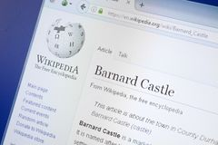 Ryazan Rosja, Sierpień, - 19, 2018: Wikipedia strona o Barnard kasztelu na pokazie pecet zdjęcie royalty free
