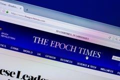 Ryazan, Rusia - 16 de abril de 2018 - homepage de los tiempos de la época en la exhibición de la PC, URL - theepochtimes com foto de archivo libre de regalías