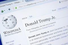 Ryazan, Rusia - 28 de agosto de 2018: Página de Wikipedia sobre Donald Trump Jr en la exhibición de la PC imagen de archivo libre de regalías