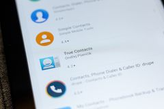 Ryazan, Rusia - 3 de julio de 2018: Verdad el icono de los contactos en la lista de apps móviles foto de archivo libre de regalías