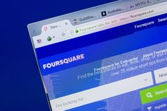 Ryazan, Rusia - 17 de junio de 2018: Homepage del sitio web cuadrado en la exhibición de la PC, URL - FourSquare com imágenes de archivo libres de regalías