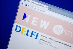 Ryazan, Rusland - Juni 26, 2018: Homepage van Delfi-website op de vertoning van PC URL - Delfi lv stock afbeelding
