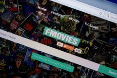 Ryazan, Rusland - Juni 26, 2018: Homepage van Fmovies-website op de vertoning van PC URL - Fmovies Ac stock afbeeldingen