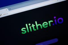 Ryazan, Rusland - Juni 26, 2018: Homepage van Slither website op de vertoning van PC URL - Glijd voort Io stock foto