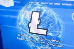 Ryazan, Rusland - Maart 29, 2018 - Homepage van Litecoin-cryptocurrency op de vertoning van PC, adres - litecoin com royalty-vrije stock afbeeldingen