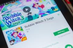 Ryazan, Rusland - Mei 16, 2018: Bellenheks 3 Saga mobiele app op de vertoning van tabletpc Royalty-vrije Stock Foto's